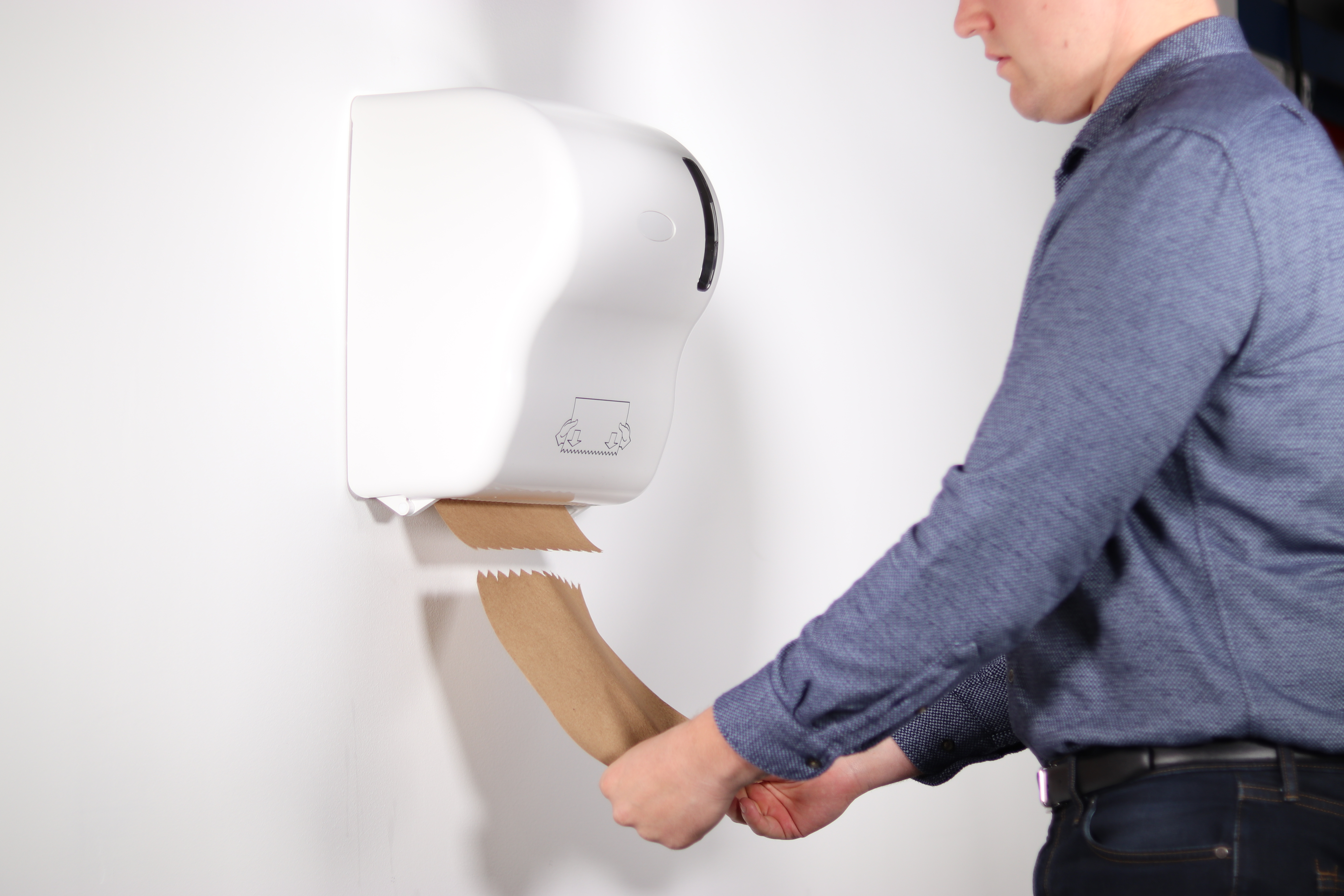 Hanzl Touch-Free Towel Dispenser